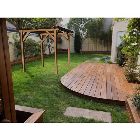 Garage en bois massif   2.3 x 2.3 m