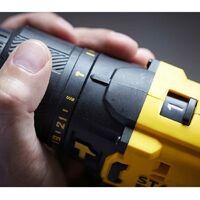 STANLEY FatMax Kit SFMCK469M2 (SFMCD711 SFMCF800 SFMCG400 SFMCS500 2 x 4,0 Ah Chargeur Sac de transport XL)
