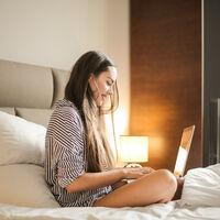 Lampe chevet Tactile, réglable, moderne 3 niveaux, E14 veilleuse, câble 28x18 cm, dorée