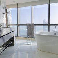Relaxdays Chrome Towel Rack, 3 Tiers, Half-Round Base, Freestanding Towel Holder, Metal, HWD: 83x40x18 cm, Silver