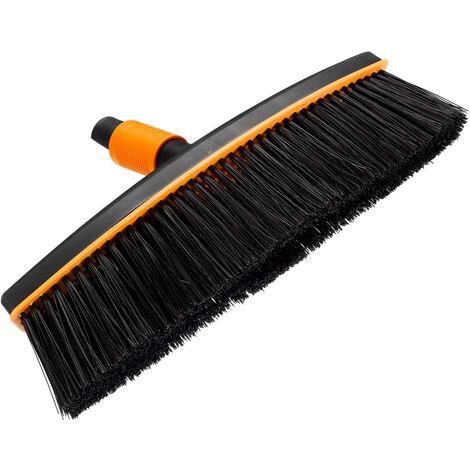 Fiskars Balai d'extérieur, Tête d'outil QuikFit, Largeur: 38 cm, Poils en polypropylène, Noir/Orange, QuikFit, 1001416