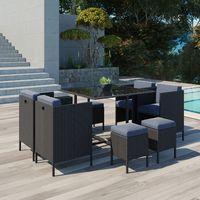 Table et fauteuils de jardin encastrables en résine tressée ...