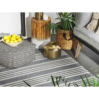 Tappeto per esterni grigio motivo a strisce 120 x 180 cm DELHI