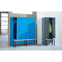 Wolf Vestiaire avec banc frontal, portes en tôle perforée raccourcies - largeur compartiment 600 mm, 1 compartiment - - Col. Corps et portes : bleu clair RAL 5012
