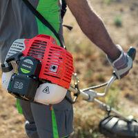 Desbrozadora 2-en-1 motor gasolina 65cc arranque electrico y arnes -GREENCUT