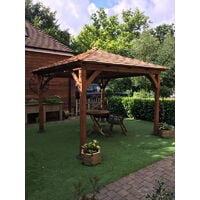 Luxury Cotswold Canopy with Cedar Roof