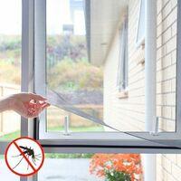 Moustiquaire pour fenêtre avec fixation scratch