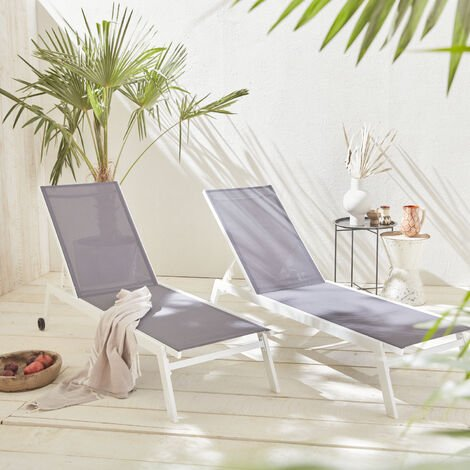 Set of 2 ELSA sun loungers in white aluminium and grey textilene, adjustable loungers with wheels