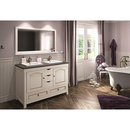 Designer bathroom:  modern and functional