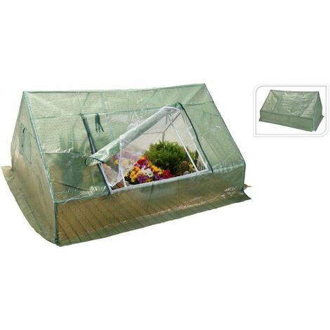 Invernadero de suelo de rafia