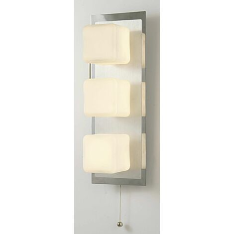 IP44 Cube wall light with pull switch 3 bulbs polished chrome & Aluminum / opal glass