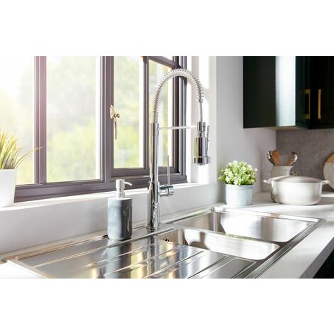 Kitchen Sink Tap Single Lever Mono Pull Out Spray Mixer Chrome Swivel Spout