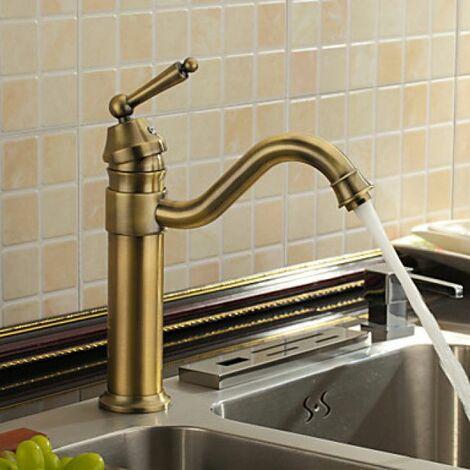 Küchen-Armatur am Antik-Stil inspiriert, in Messing-Ausführung ...
