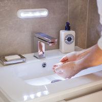 Lampe de Placard 'Tactile' à Piles 4 LED Blanches Orientables et Fixation Autocollante 3M Lights4fun