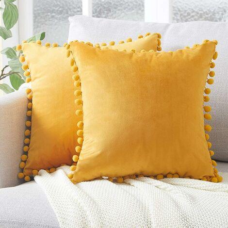 LangRay 2 piezas de 45x45cm fundas de almohada de terciopelo suave con almohadas de bola de masa decoración de sofá moderna para el dormitorio de la sala de estar - funda de almohada amarilla mostaza
