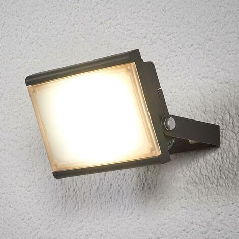 LED spotlight for outdoors