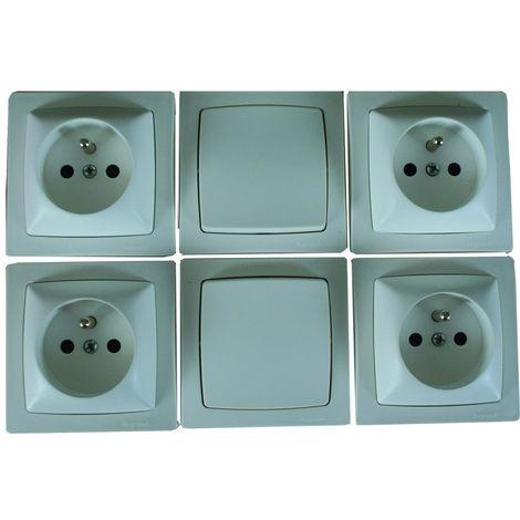 """main image of """"Lot 2 interrupteurs ou va-et-vient + 4 prises de courant Appareillage saillie - Legrand"""""""
