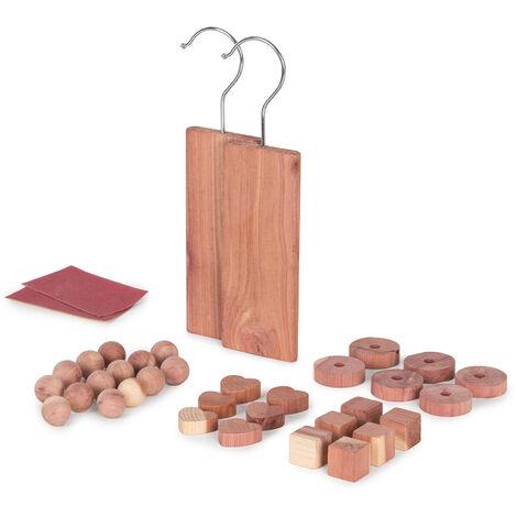"""main image of """"Lot 34 x Pièces antimites en cèdre naturel - Marron"""""""