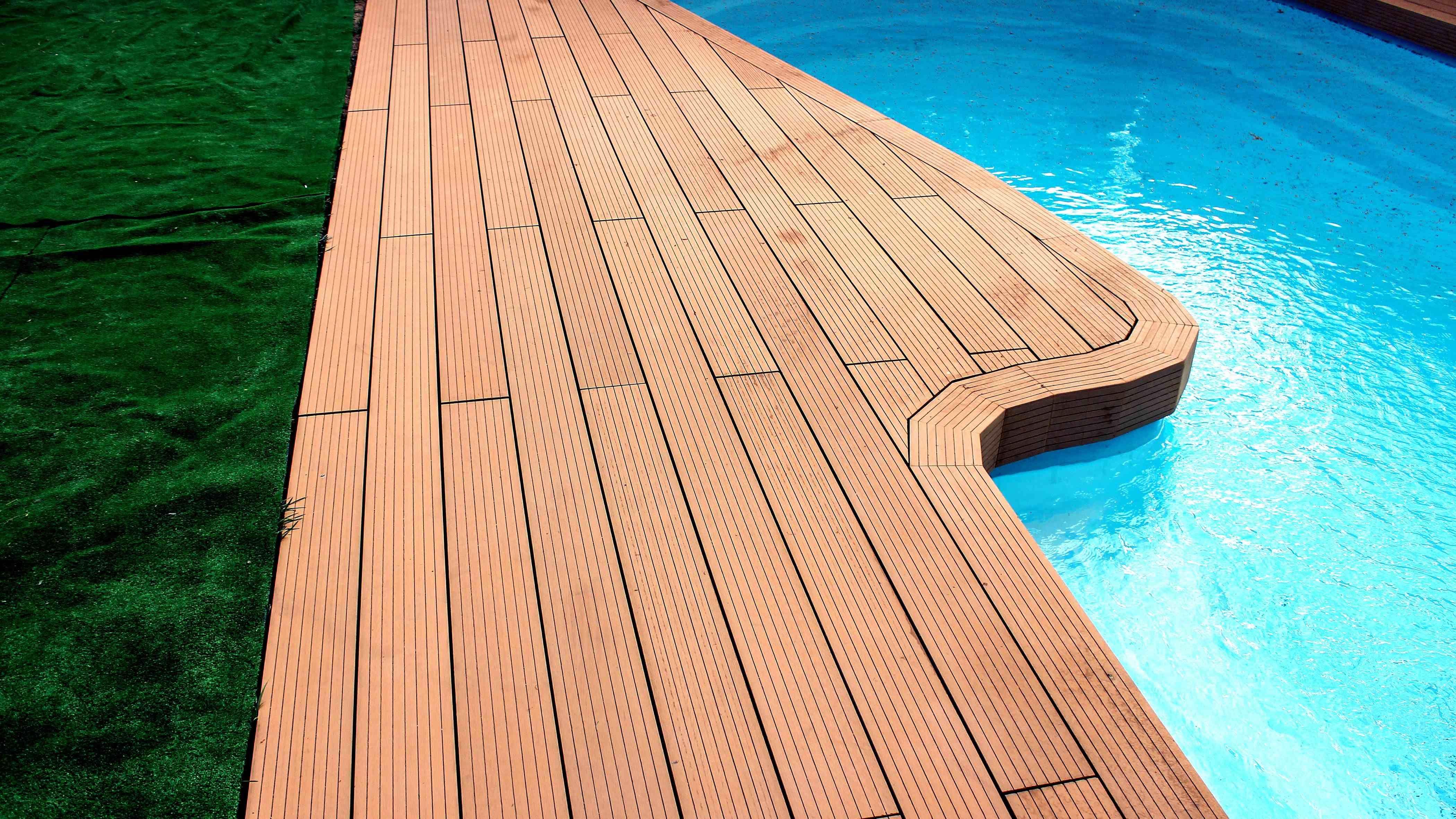 Comment choisir des lames de terrasse en bois composite ?