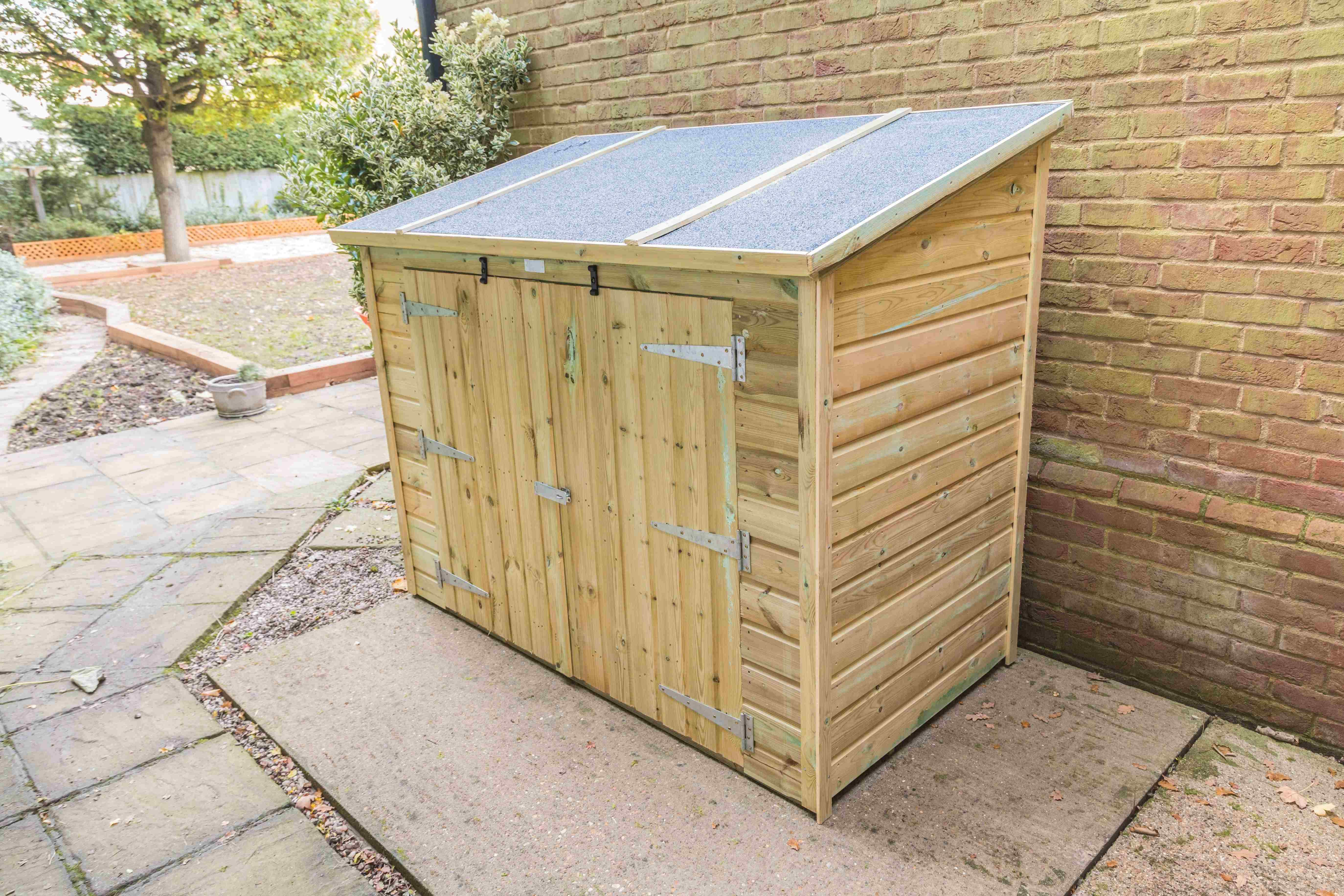 Garden storage chest and cabinet  buying guide