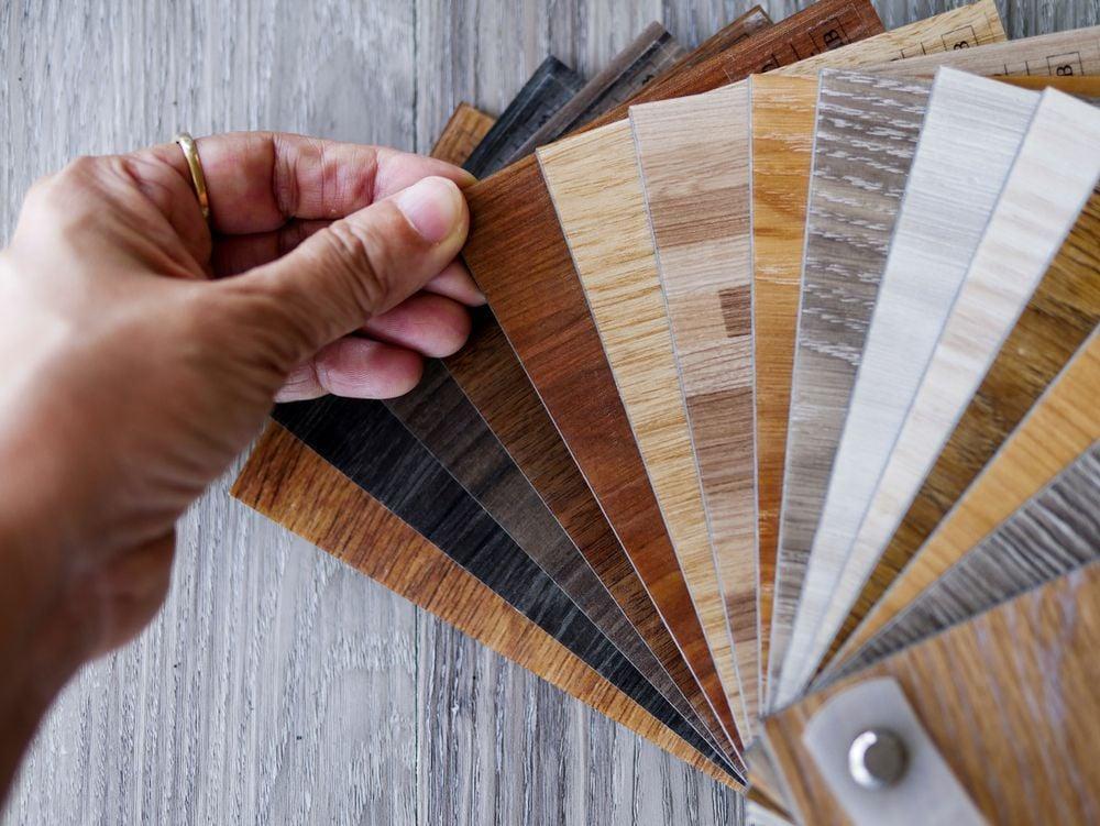 Comment choisir des lames de sol PVC