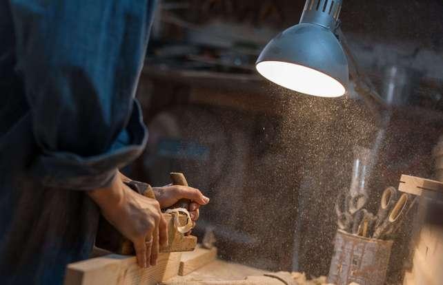 Cómo elegir una lámpara para la mesa de trabajo