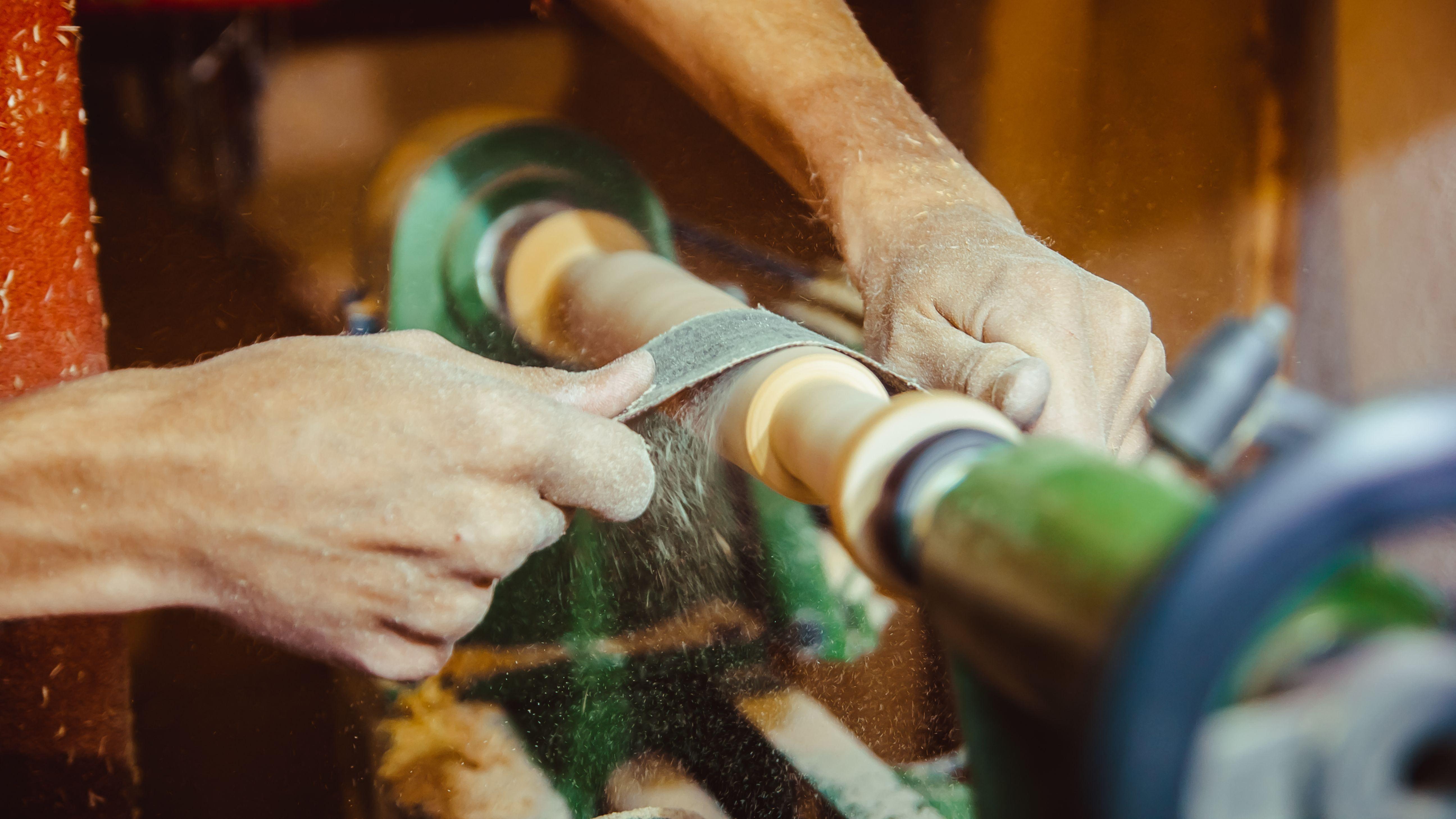Come scegliere un tornio per metallo e un tornio per legno