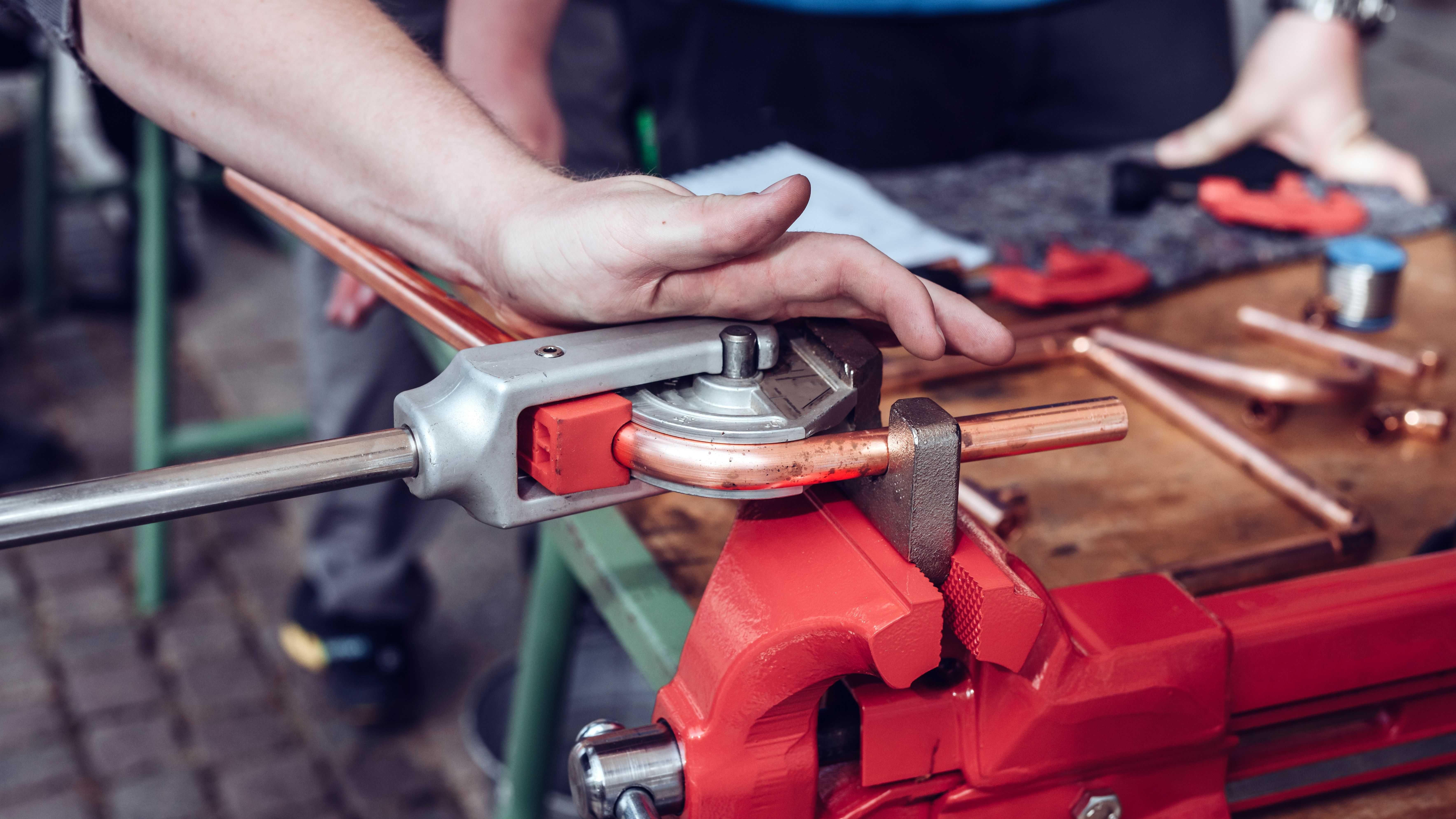 Comment cintrer un tube cuivre