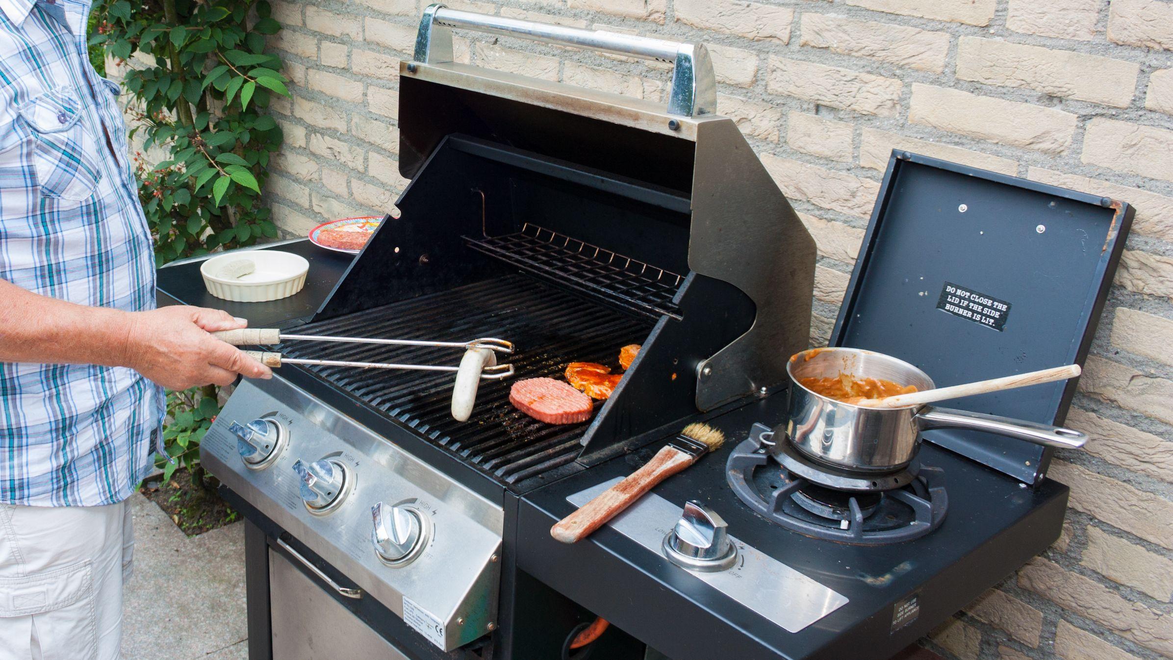 Scegliere tra barbecue a gas e barbecue a carbonella