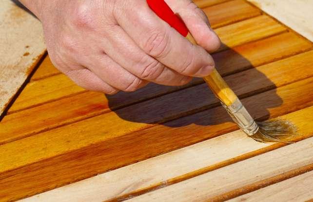 How to care for teak or eucalyptus garden furniture