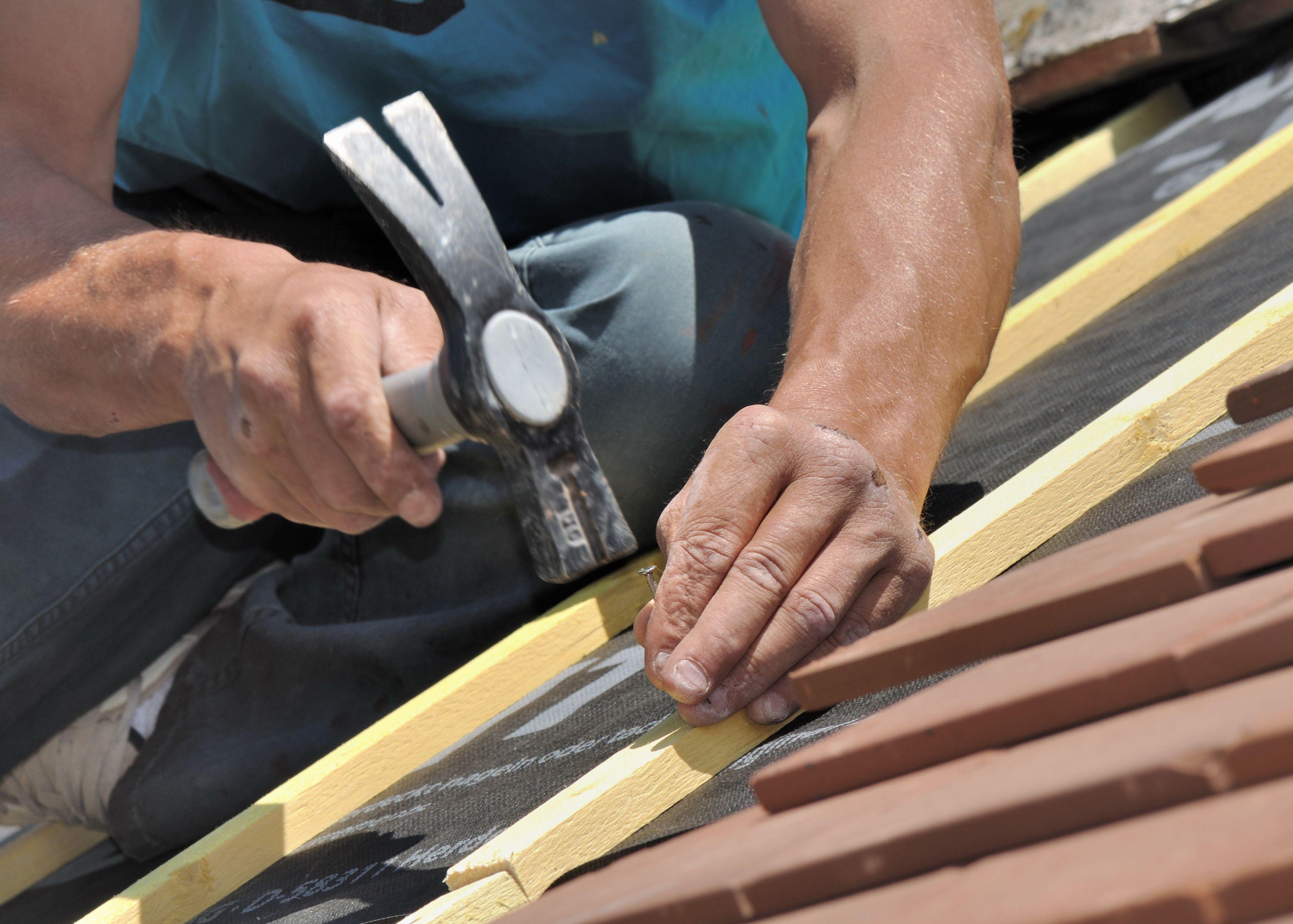 Come scegliere gli attrezzi del riparatore di tetti