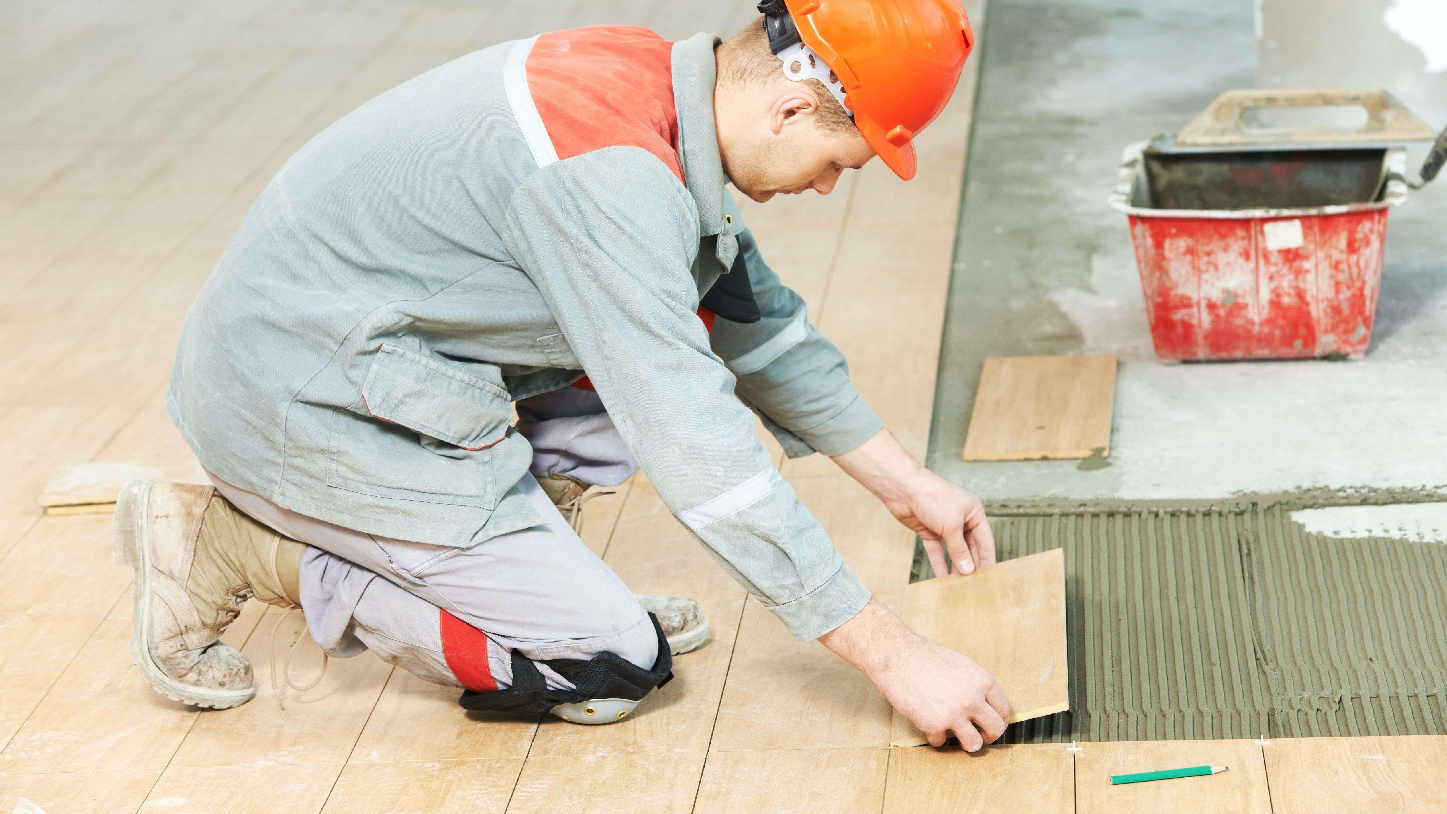 EPI carreleur : quel équipement de protection individuelle pour un carreleur