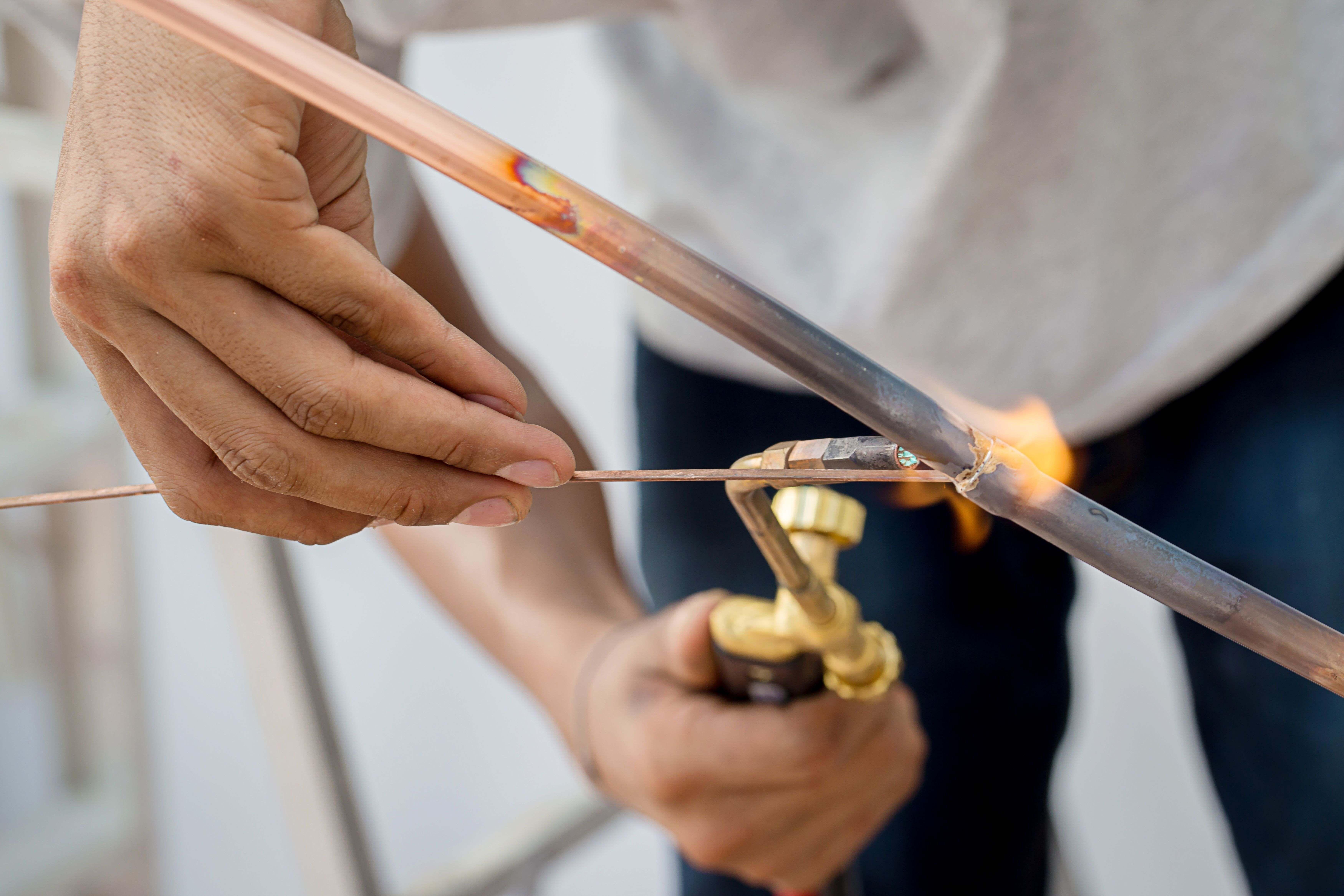 Comment braser des tuyaux en cuivre