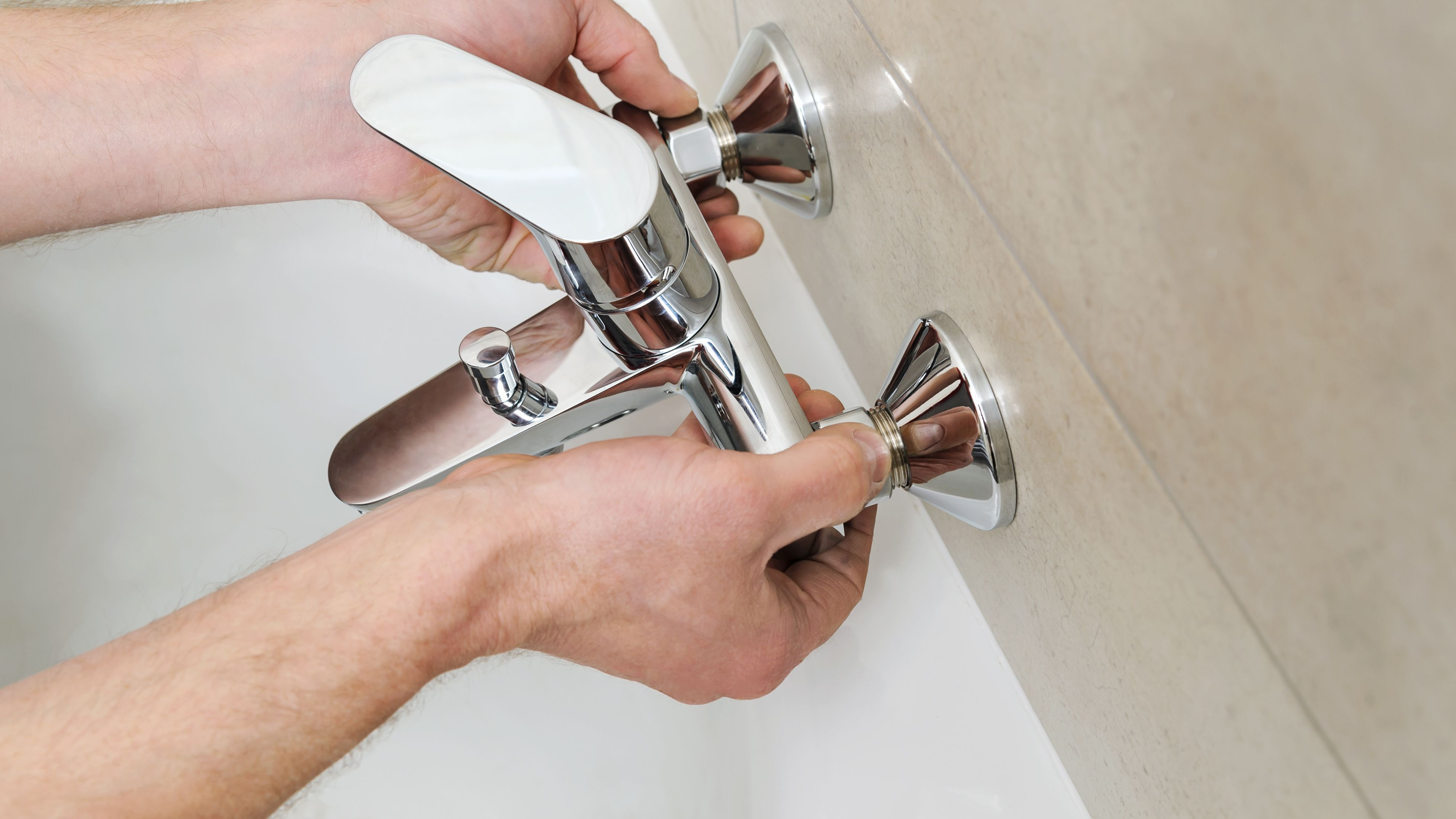 Comment installer  un robinet de baignoire