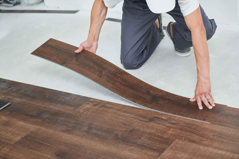 Comment poser des lames de sol PVC