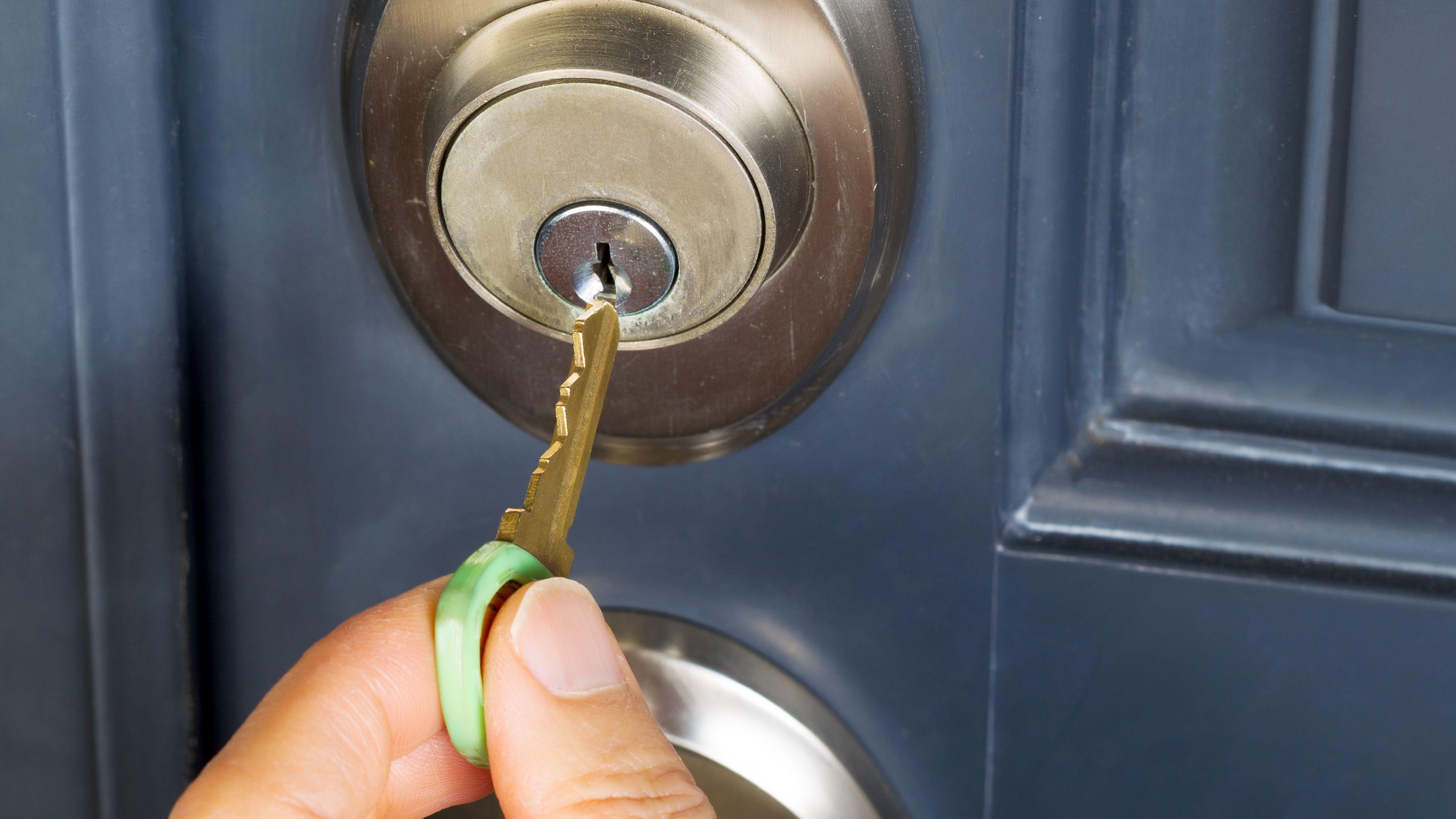 Come montare una serratura a cilindro singolo
