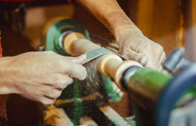 ¿Cómo elegir un torno para metal o para madera?