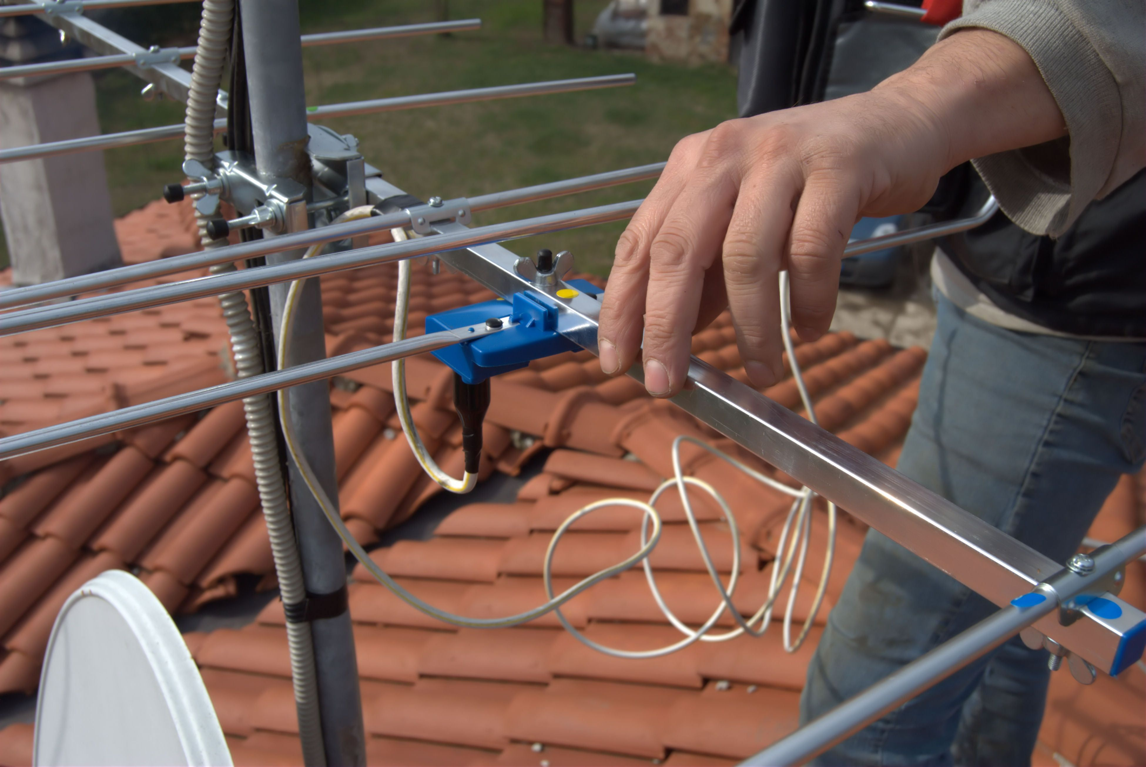 Comment installer une antenne TV extérieure