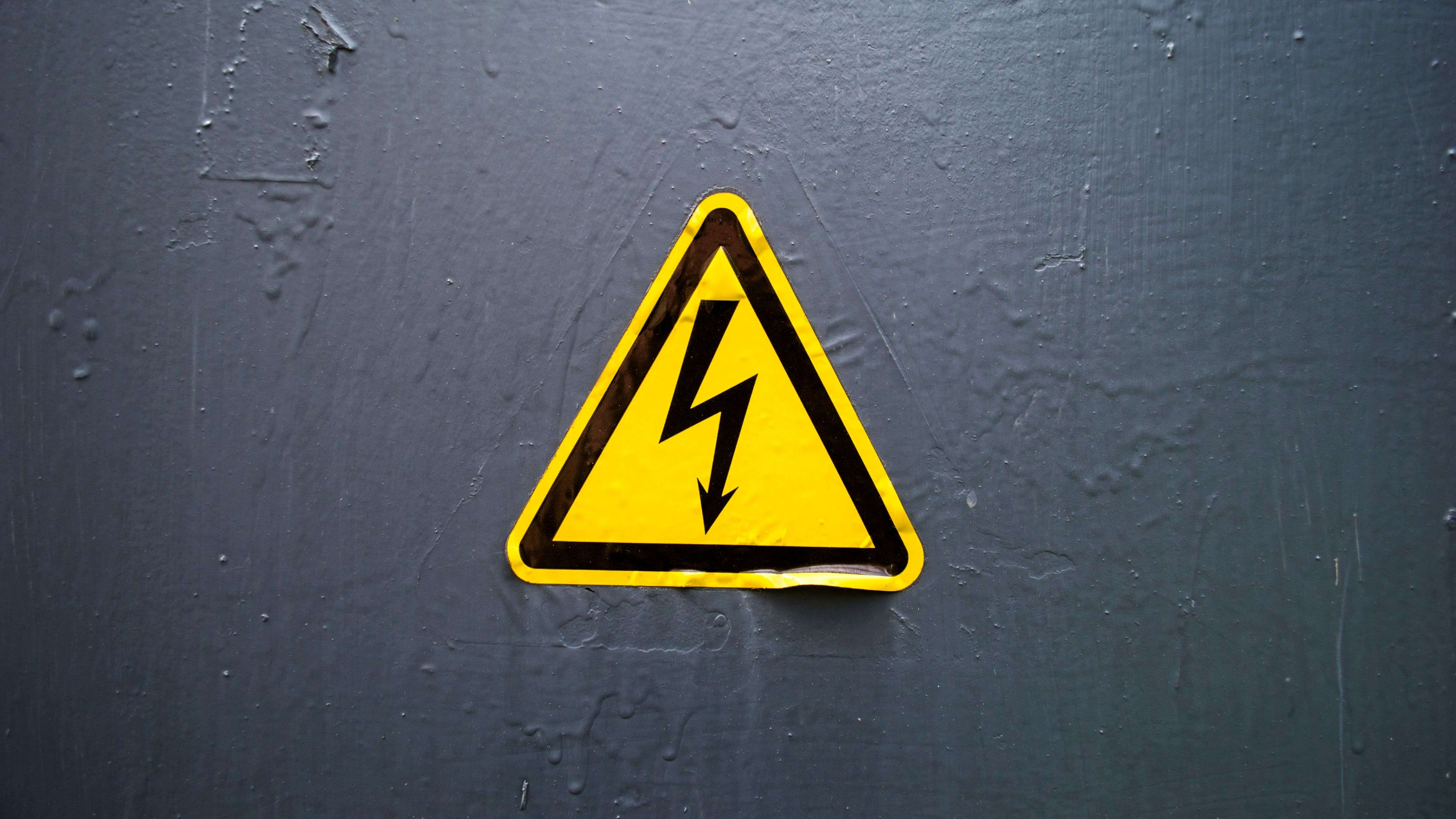 How to stay safe when working with electricity