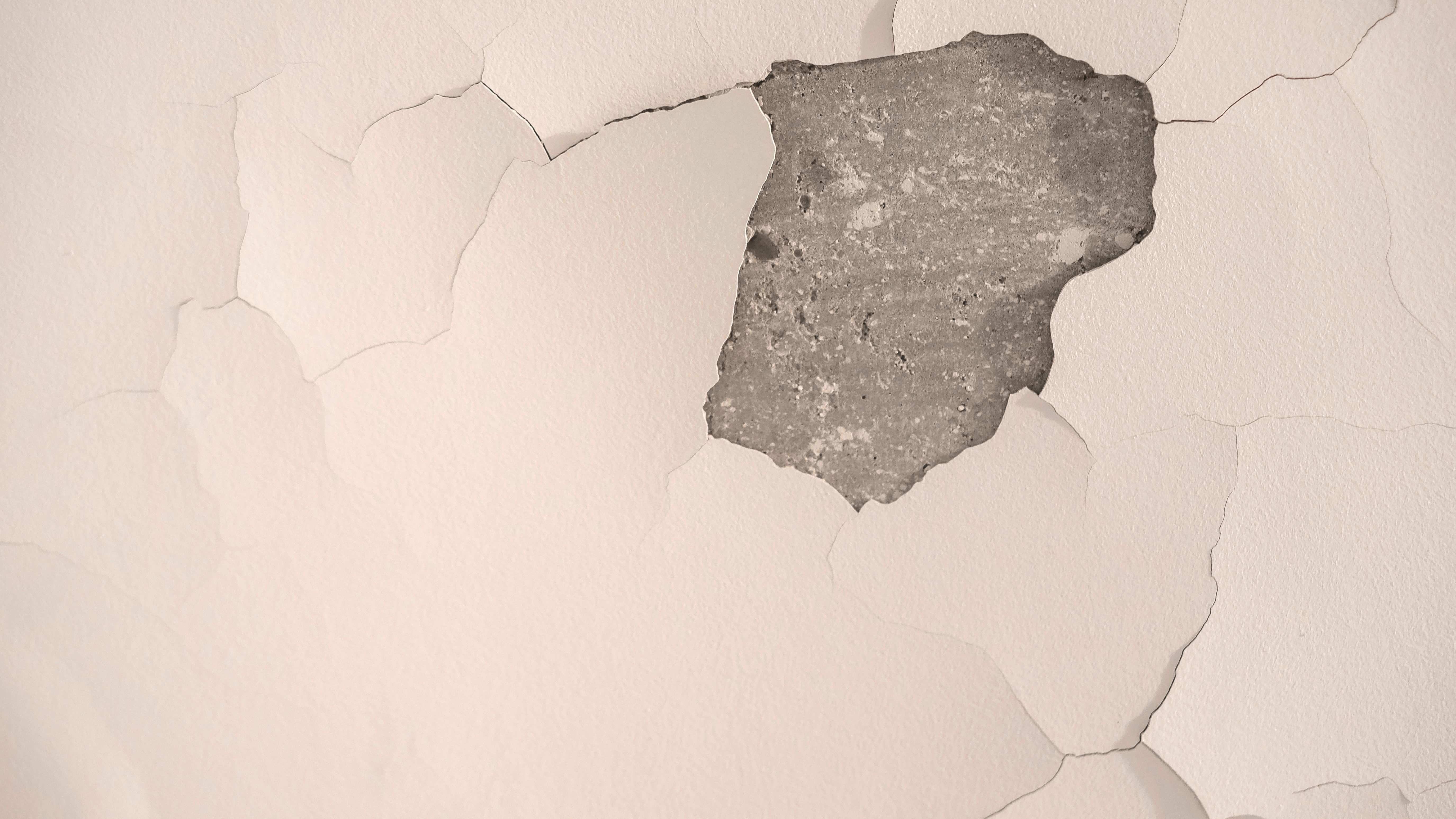 Pittura che si screpola: perché e come evitarlo