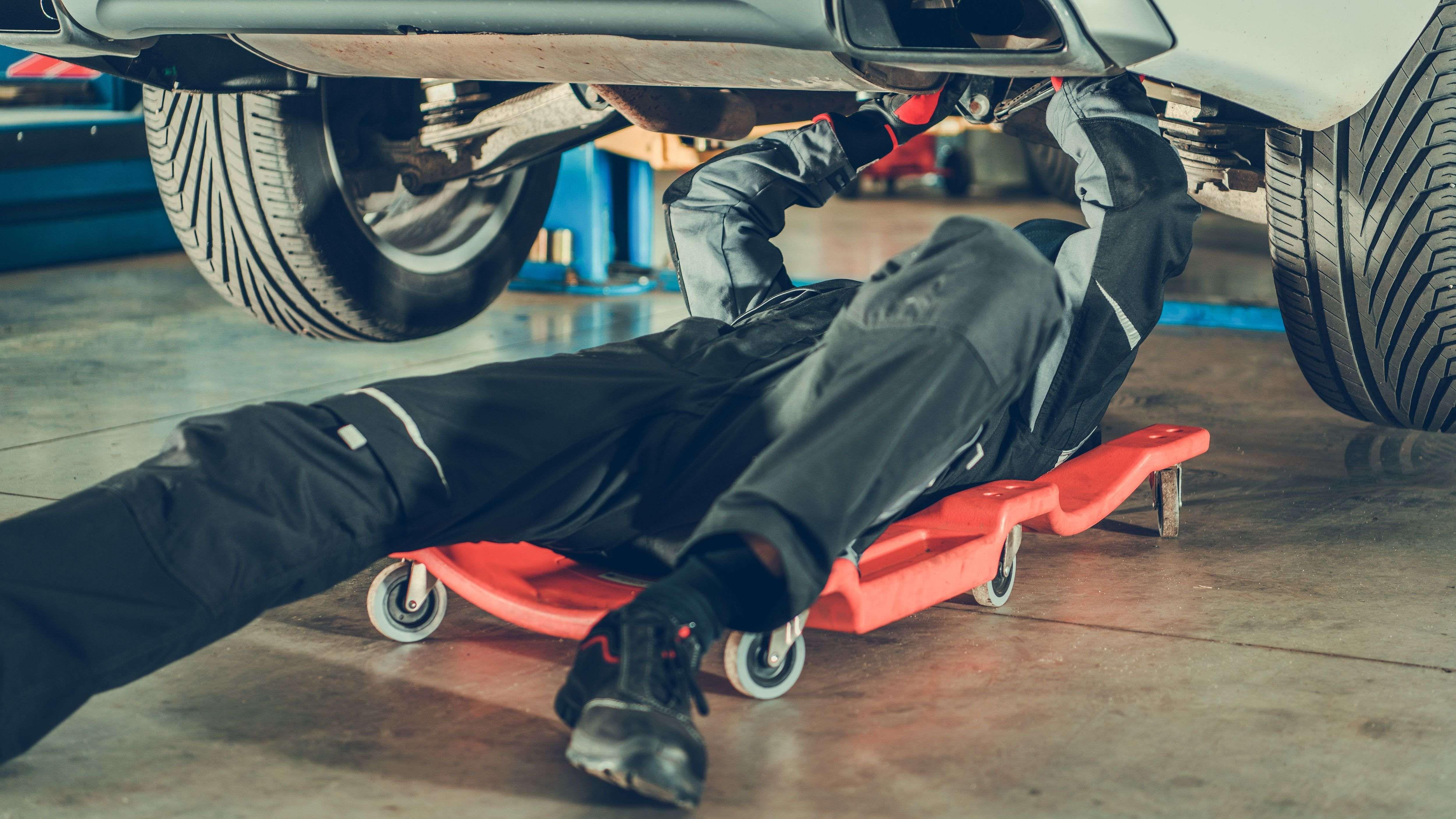 Come scegliere un carrello sotto-auto
