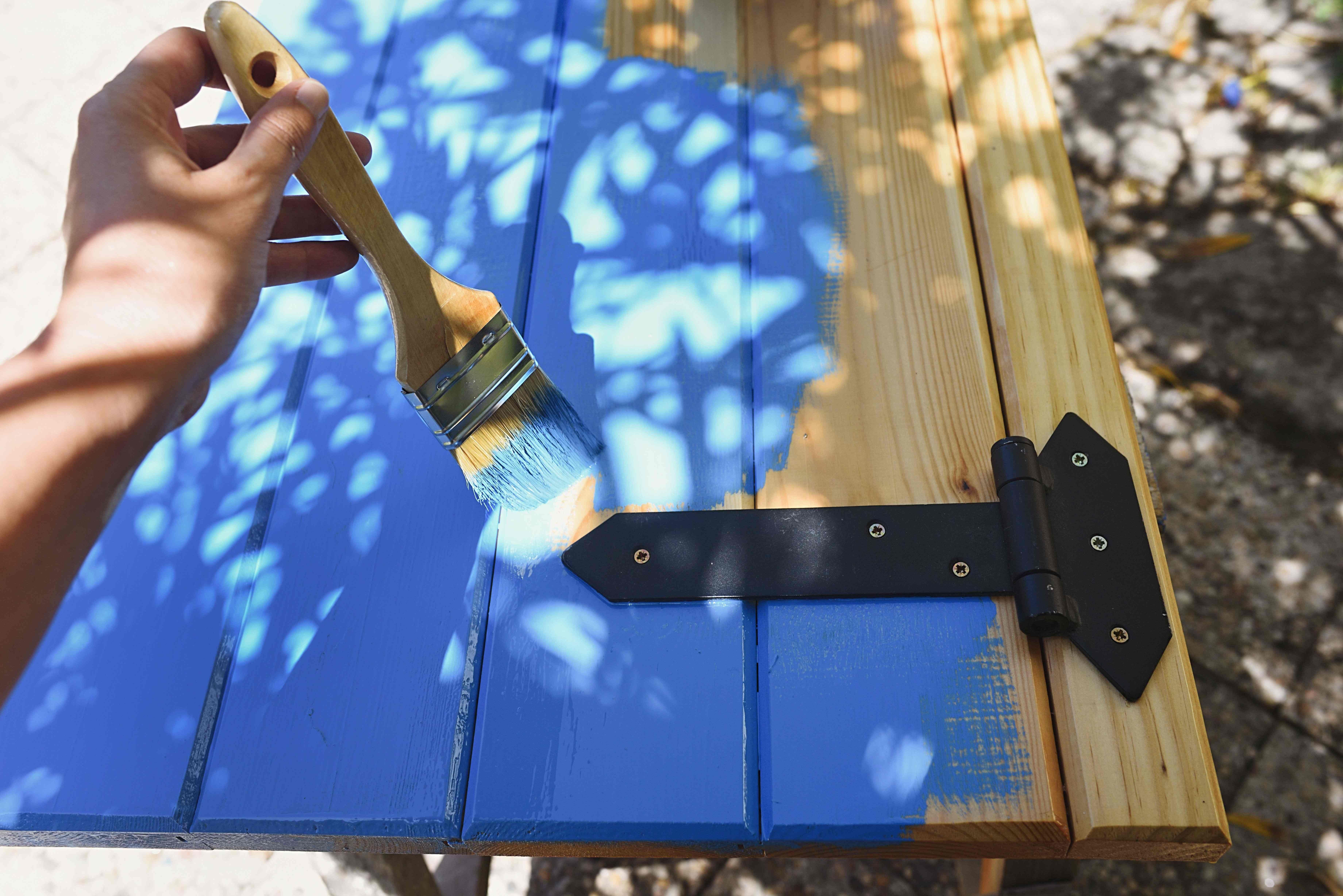 Comment peindre  des volets