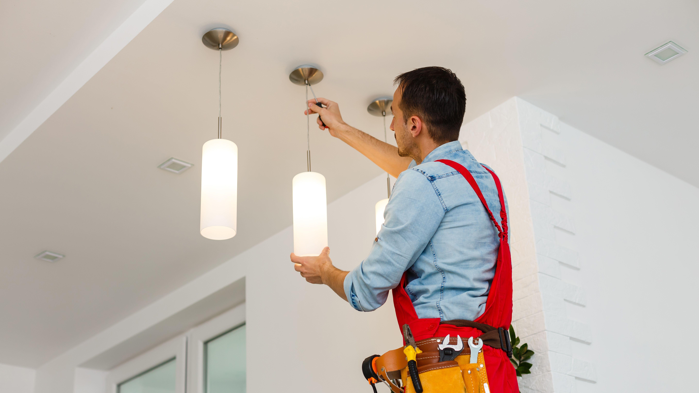 Come installare un lampadario a sospensione