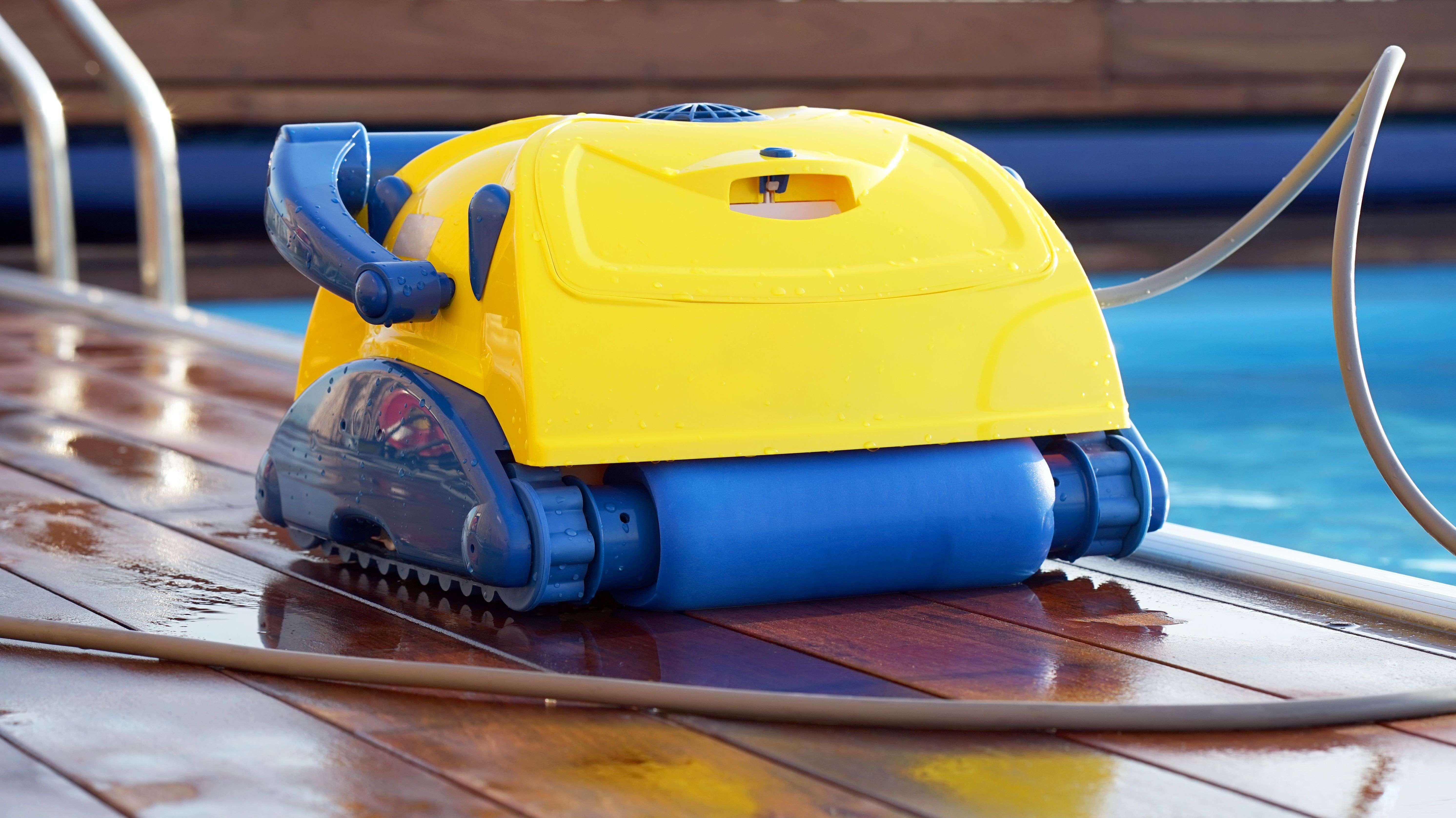 Come scegliere un robot pulitore per piscina
