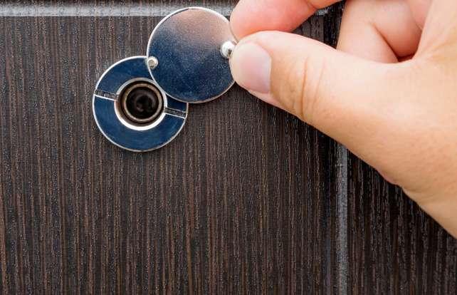 Comment choisir  un judas de porte d'entrée