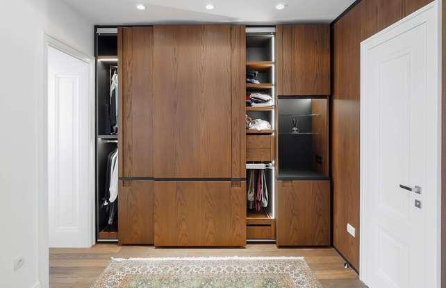Cómo elegir puertas de armario y sus accesorios