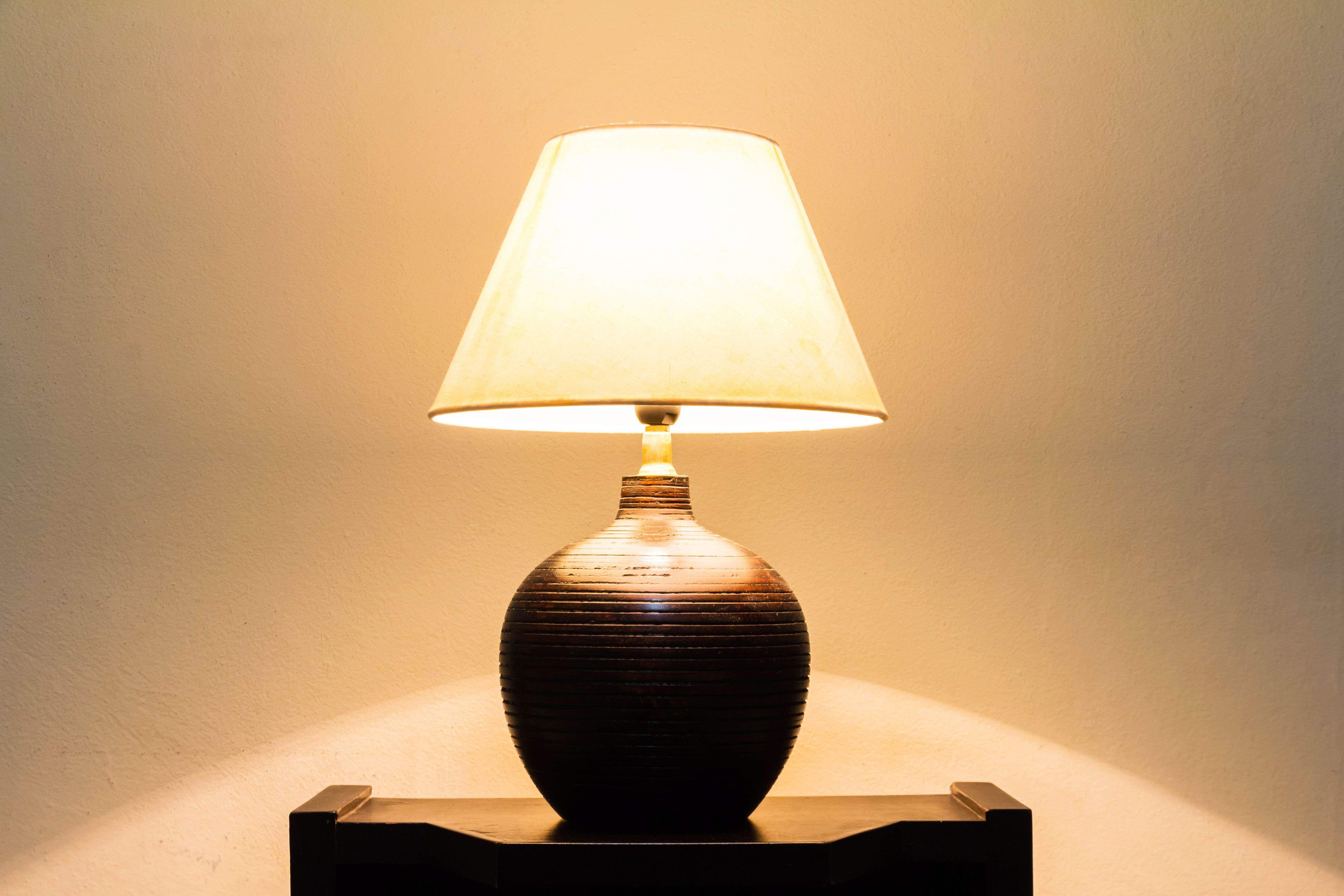 Pied de lampe à poser  : bien le choisir