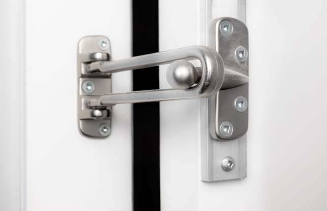 Comment choisir  un entrebâilleur de porte