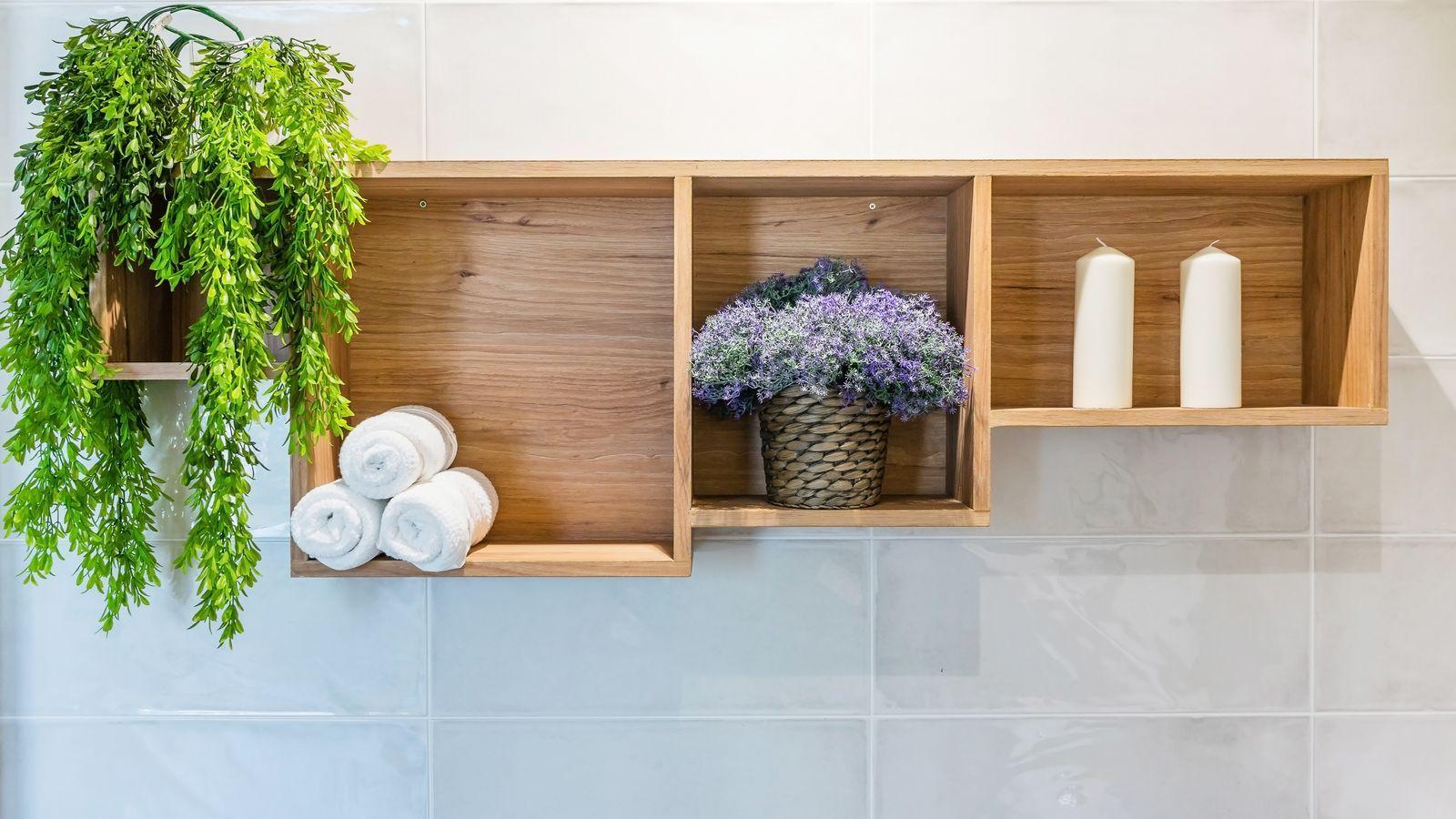 Comment installer  une étagère de salle de bains