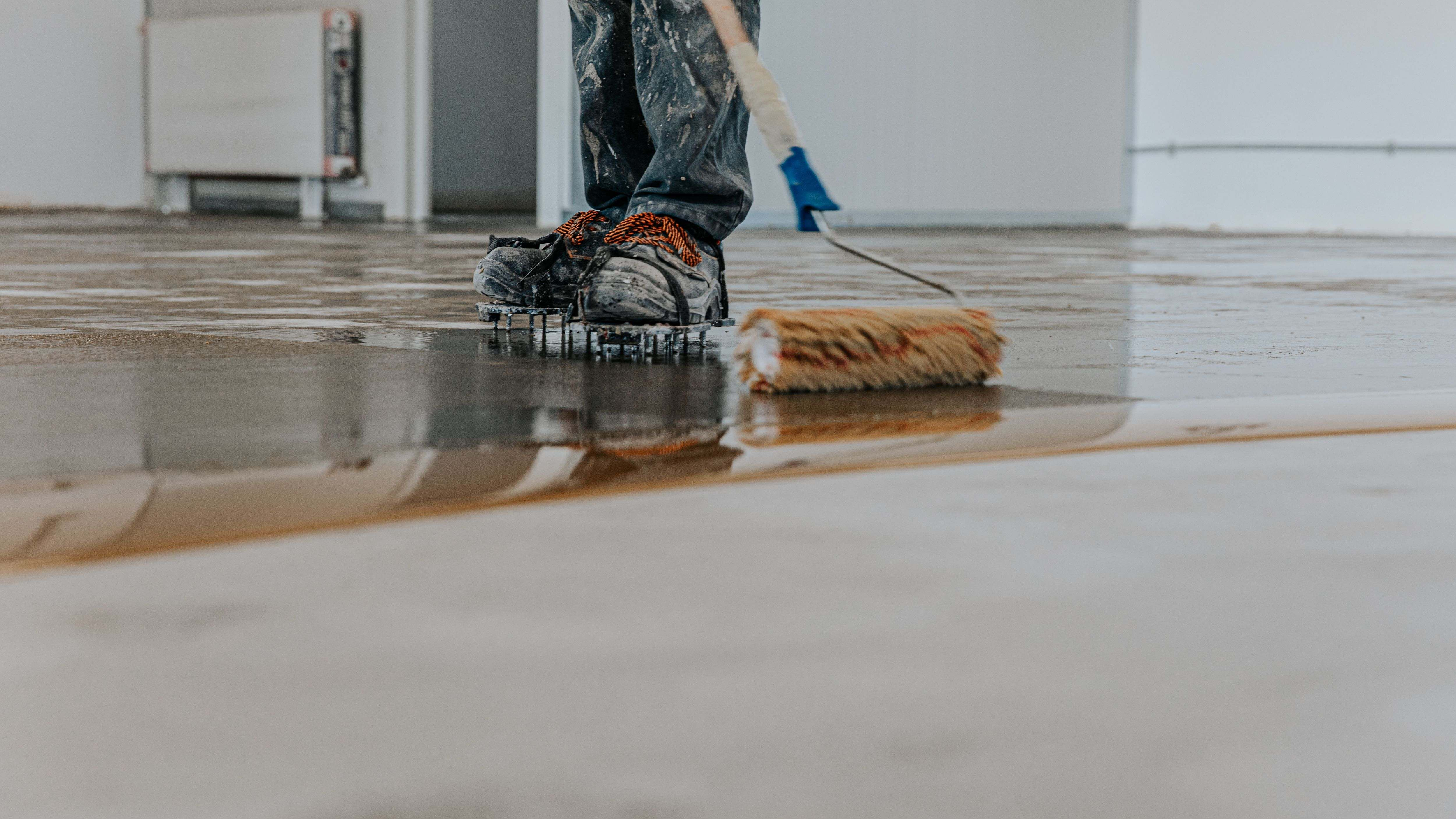 Come realizzare  un pavimento in resina